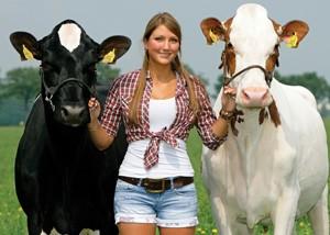 Yvonne de Jong en Grashoek Beaver 3 (NL 717377286) en Grashoek Frieska 179 (NL 717377286) V: Sunflower PS Eig: Melkveebedrijf Grashoek BV Opname: 12 juni 2012 - M 1206047